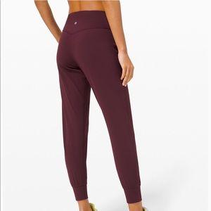 "Lululemon Align Jogger Pants '28"" in Cassis"
